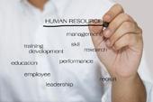 14814655-l-39-homme-en-chemise-blanche-crire-un-concept-ressources-humaines[1]